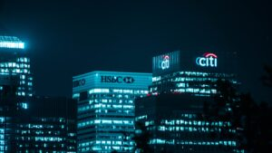 business-banking-blog-feature-image-banks-at-nighttime-in-city